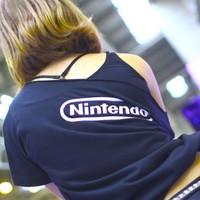 """<strong>Горячие стендистки Nintendo в холодный октябрьский день</strong><br/> <span style=""""font-size:0.8em"""">Используйте стрелки чтобы листать изображения</span><br/> <a href=""""http://sengie.ru/gallery/user/sengie-man/510/11663""""><span style=""""font-size:0.8em"""">Комментировать(0)</span></a> <a href=""""http://sengie.ru/gallery/user/sengie-man/510/11663""""><span style=""""font-size:0.8em"""">Рейтинг:(0)</span></a>"""